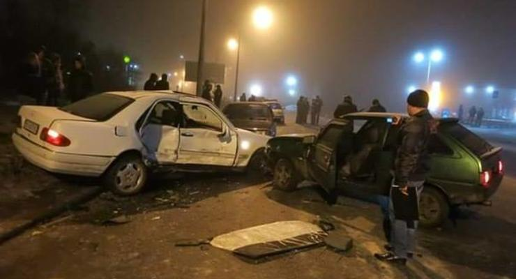 Во Львове пьяный милиционер спровоцировал ДТП (фото)