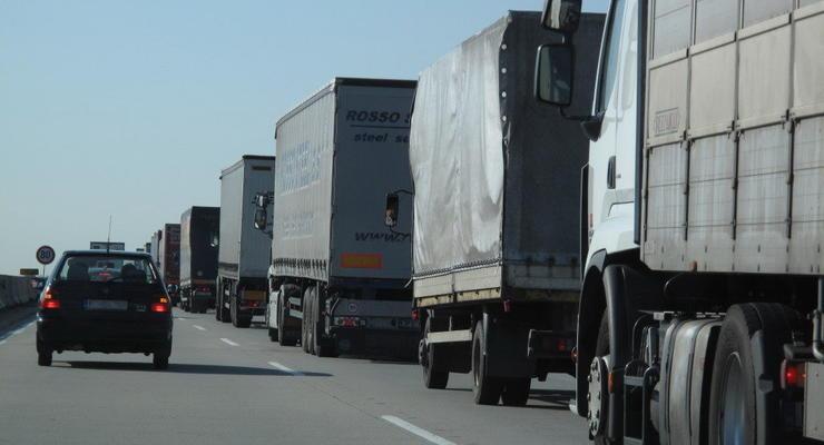 Украинских транзитных перевозчиков не пускают в Россию