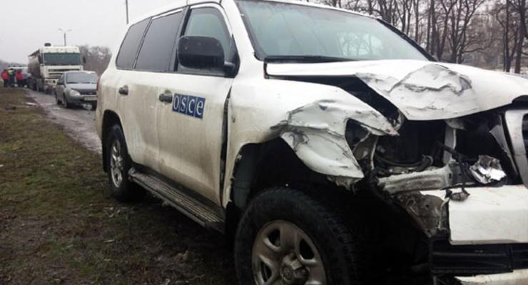 Наблюдатели ОБСЕ попали в аварию в Донецкой области