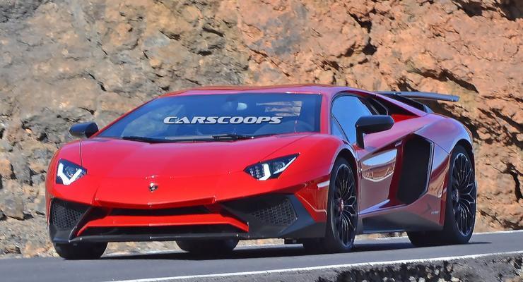 Обновленный Lamborghini Aventador замечен без камуфляжа (фото)