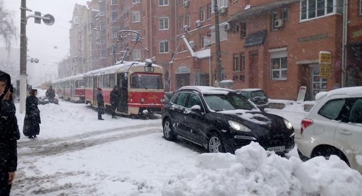 Авария в Киеве остановила движение трамваев