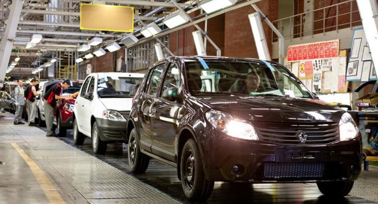 Компания Renault останавливает завод в Москве