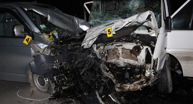 На Тернопольщине столкнулись два микроавтобуса, есть жертвы