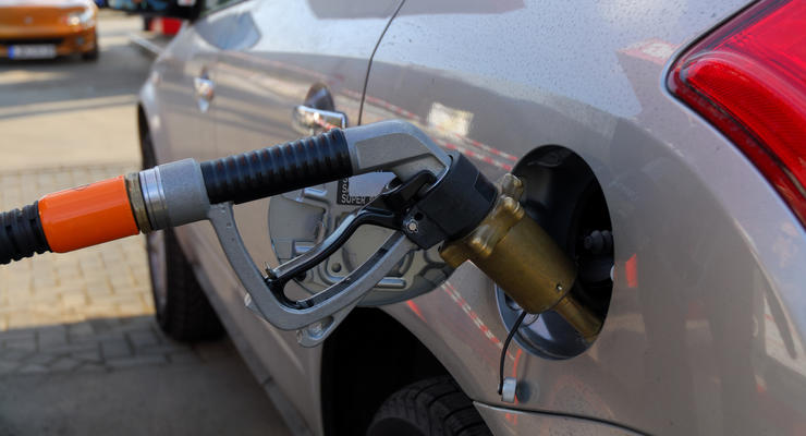 Бензин А-95 уже стоит дороже 20 гривен
