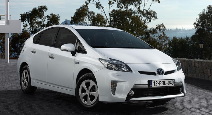 Официально: Украина освободила от пошлин гибридные автомобили