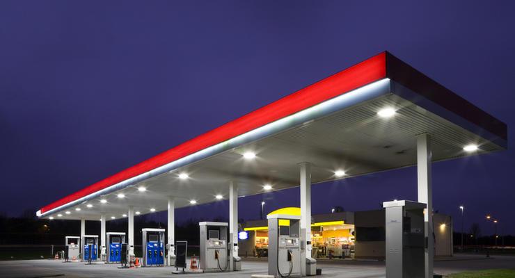 В январе продажи бензина сократились на треть
