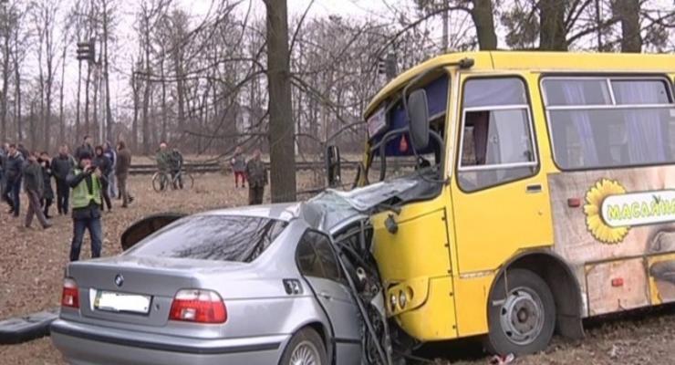 На Волыни маршрутка разбилась в аварии, есть жертвы