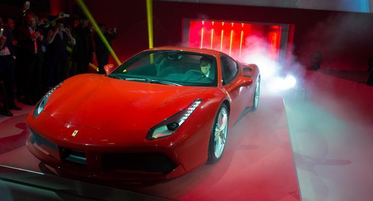 Компания Ferrari официально представила спорткар 488 GTB (видео)