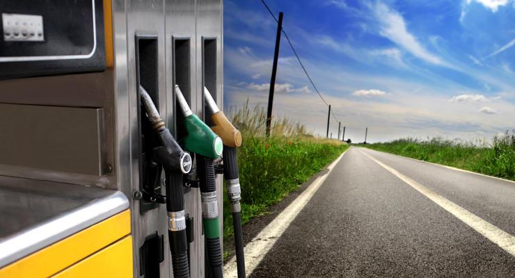 Бензин А-92 стоит уже меньше 22 гривен за литр