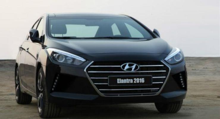 Появилось первое фото нового Hyundai Elantra