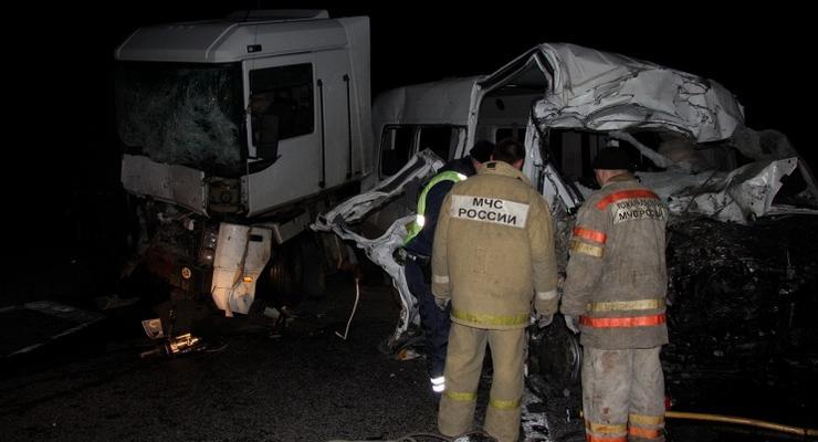 В России разбился автобус, ехавший от украинской границы: 16 погибших