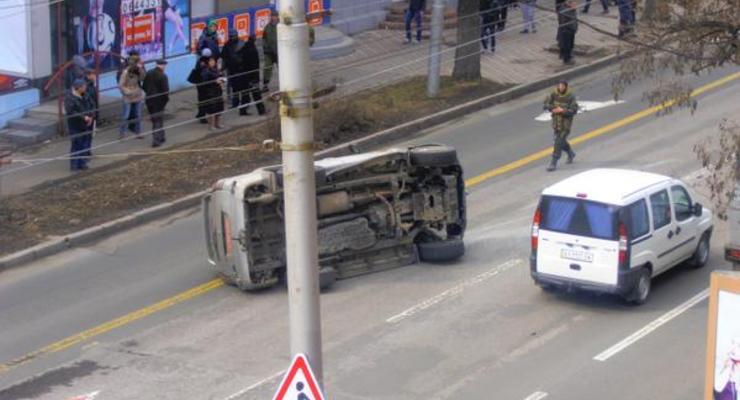 В центре Донецка машина с боевиками попала в ДТП