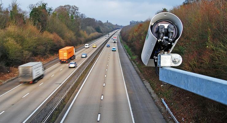 Аваков предложил установить видеофиксацию на всех крупных трассах