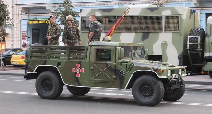 В Украине испытали бронированный Humvee (видео)
