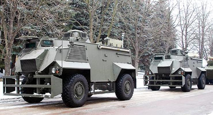 На базе Saxon разработали две версии бронеавтомобиля для АТО