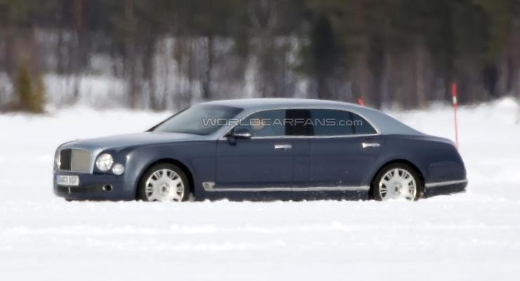 Bentley тестирует длиннобазный Mulsanne (фото)