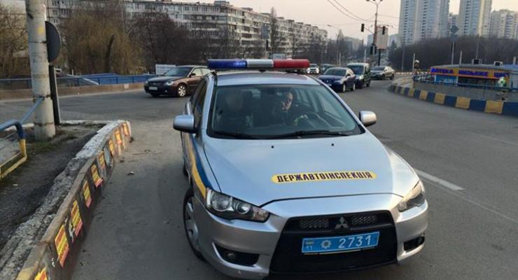 В Киеве гаишника оштрафовали за неправильную парковку