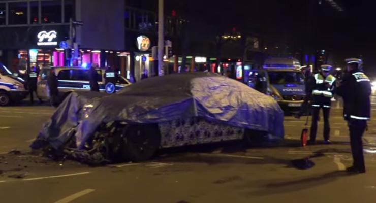Тестовый прототип BMW 7-series устроил аварию с полицейским автобусом (видео)