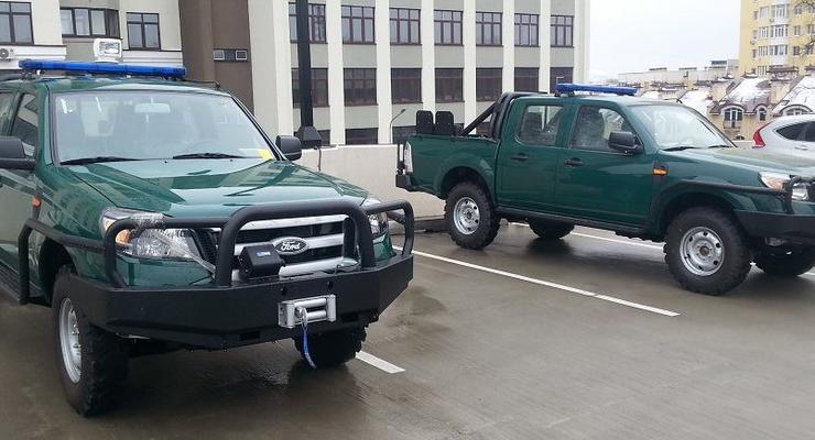 США передали украинским пограничникам бронированные Ford Ranger