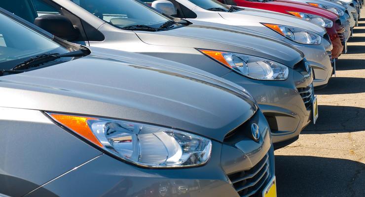 Украинцы в апреле стали чаще интересоваться покупками авто