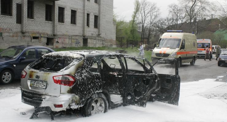 В Запорожье взорвался кроссовер, водитель погиб