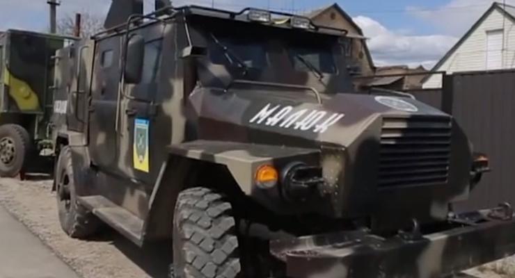 """Волонтеры сделали броневик """"Малюк"""" для батальона Киевская Русь (видео)"""