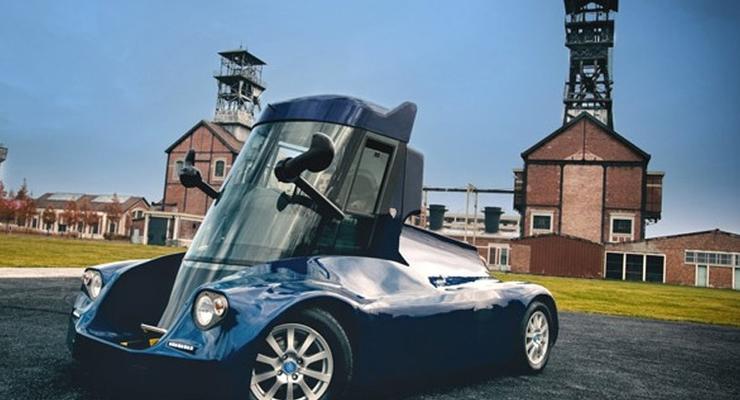 Во Франции построили необычный электромобиль с кабиной-лифтом (фото)