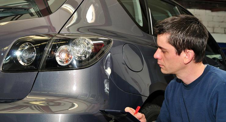 Эксперт: Под видом реформ ГАИ хотят вернуть техосмотр и экспертизу авто