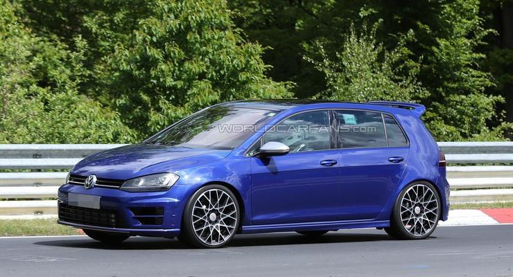 Volkswagen вывел на тесты модель Golf R420 (фото)