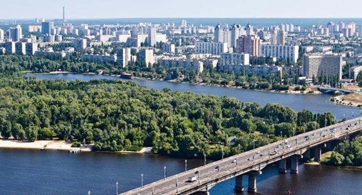 По мосту Патона в Киеве ограничили движение