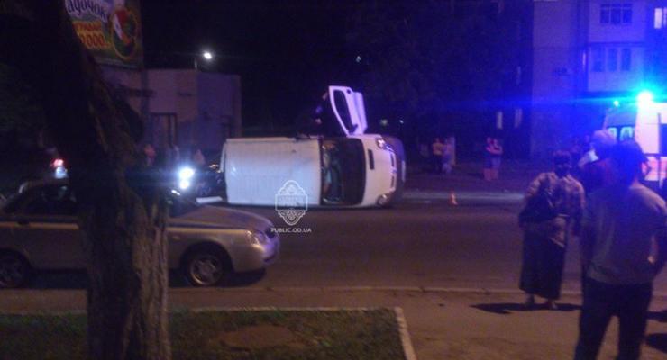 Соцсети: в Одессе пьяный майор устроил серьезную аварию (видео)