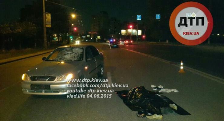В Киеве на Троещине Daewoo Lanos насмерть сбил пешехода-нарушителя (фото)