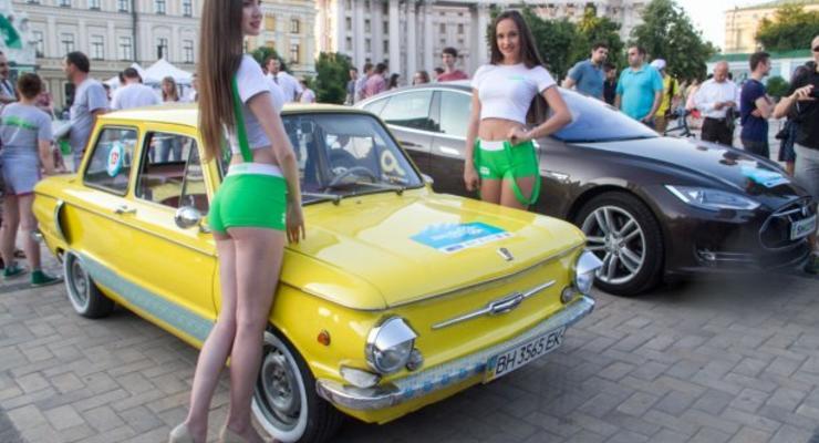 В Киеве начался масштабный пробег на электромобилях (фото)