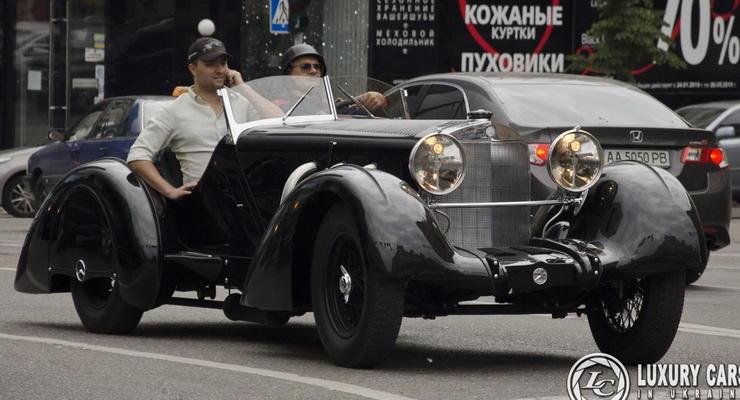 В Киеве заметили реплику спидстера Mercedes-Benz 710 SSK Trossi Roadster (видео)