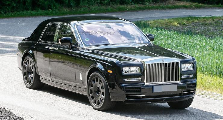 "Rolls-Royce тестирует на ""муле"" начинку своего первого кроссовера (фото)"