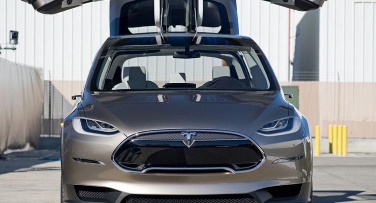 Tesla через три месяца начнет поставки электрокроссовера Model X