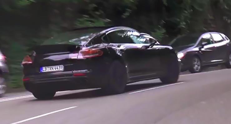 Новый Porsche Panamera вывели на дорожные тесты (видео)