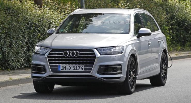 Тест-пилот попал в аварию на испытаниях Audi SQ7 (видео)