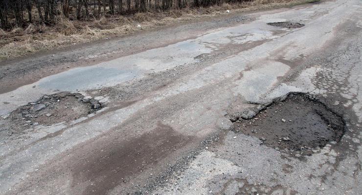 Украинские автотрассы предложили ремонтировать за счет штрафов