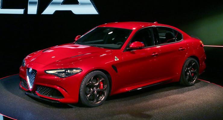 Alfa Romeo официально показала седан Giulia (фото)