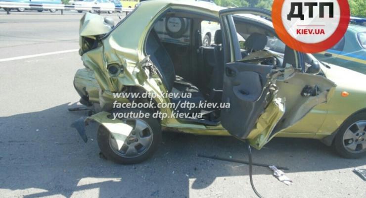 Под Киевом Hyundai Tucson врезался в Daewoo Lanos, есть пострадавший (фото)