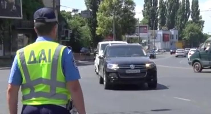 У одесских гаишников отобрали жезлы (видео)