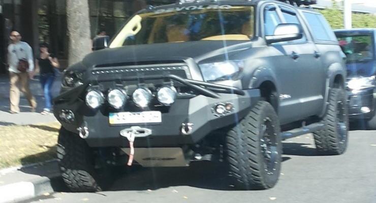 В Харькове заметили очень редкий внедорожник Devolro Diablo (фото)