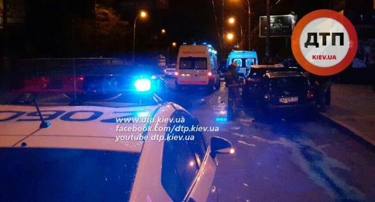 В Киеве Chevrolet Lacetti протаранил Hyundai и Nissan (фото)