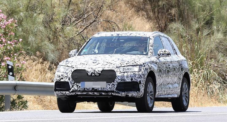 Кроссовер Audi Q5 нового поколения впервые заметили на тестах (фото)