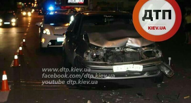 В Киеве Daewoo Nexia уничтожился о Volvo (фото)