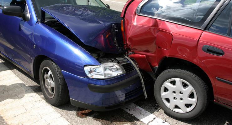 Статистика аварий-2015: на украинских дорогах погибает восемь человек за сутки