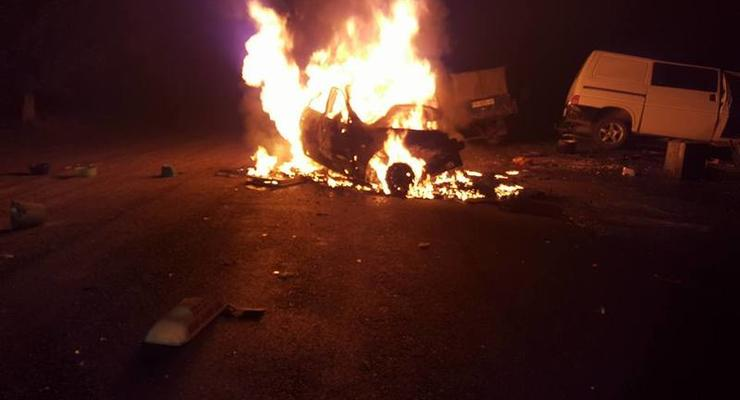 Под Одессой после ДТП взорвалось такси, есть погибшие