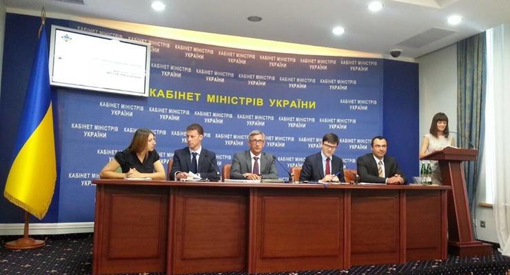 Кабмин презентовал результаты проверки ремонта дорог