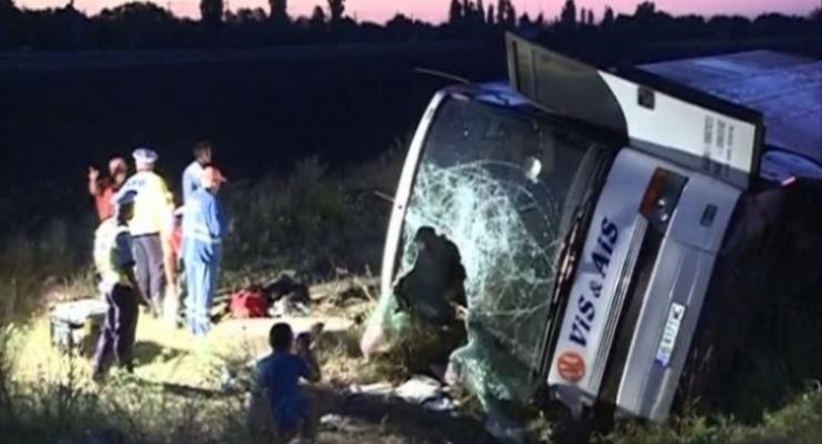 МИД Украины: в  ДТП в Румынии погибли двое украинцев, 48 пострадали